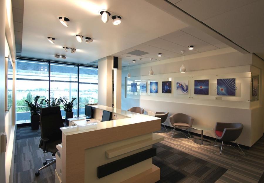 Principali caratteristiche di un ufficio arredato uffici for Uffici arredati
